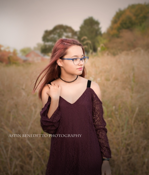 Astin-Benedetto- Photography-Philliipsburg-NJ- Family- Photographer- Girl-in-field