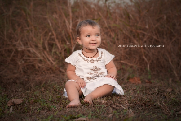 Astin-Benedetto- Photography-Philliipsburg-NJ- Family- Photographer-toddler- Girl-in-field